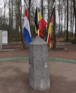 Drielandenpunt monumen 2