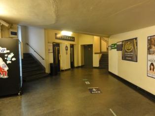 Lift lantai 1 sampai 6