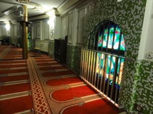 Mozaik keramik  di mesjid Agung Brussel