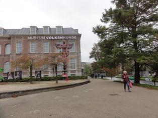 Tampak depan museum Volkenkunde Leiden